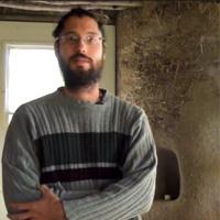 Jean-François est spécialiste de permaculture et d'autoconstruction