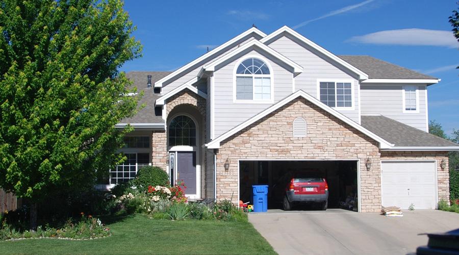 Choisir ses portes de garage fiche technique cohabitation for Ajout de garage maison