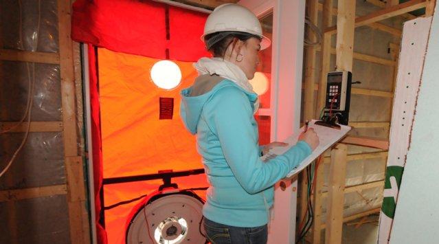 Pendant le chantier, communiquez avec votre évaluateur écologique selon les échéances de chaque étape (inspections, montage du dossier, défense du projet, etc.).