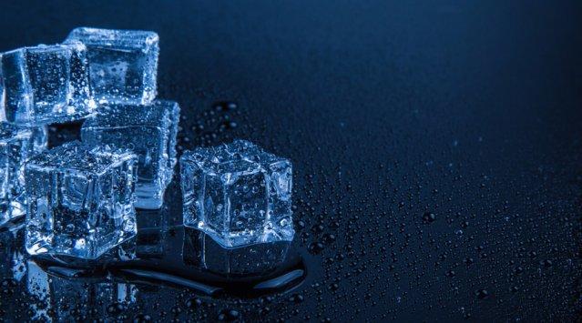Faire fondre de la glace pour démontrer la théorie