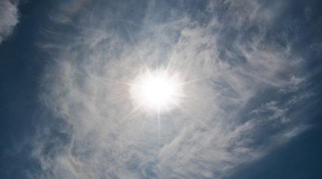Préchauffer l'air neuf de la maison avec un panneau chauffe-air solaire