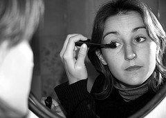 Les fabricants de cosmétiques devraient divulguer leurs  « ingrédients secrets »