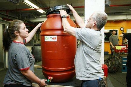 Barils récupérateurs d'eau de pluie: un choix doublement écolo