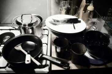 lavage de la vaisselle la main ou au lave vaisselle nouvelle cohabitation. Black Bedroom Furniture Sets. Home Design Ideas