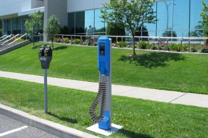 voiture electrique : Un partenariat pour une borne de recharge 100 % québécoise