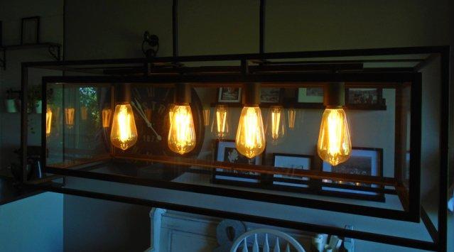 L'ampoule à filament DEL: vintage, longue durée, économe