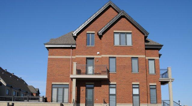 Maison neuve dans le faubourg Boisbriand, un quartier LEED, Céline Lecomte