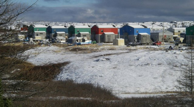 Maisons à Kuujjuaq, Nunavik, Québec. Léo Goguen, Creative Commons.
