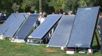 Le panneau chauffe-air solaire pour préchauffer l'air de la maison