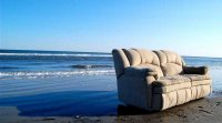 Étiqueter les produits toxiques ignifuges dans les meubles, la Californie en fai