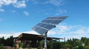 Panneaux solaires: support fixe ou pivotant?