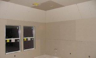 Gypse synthétique pour les murs et les plafonds de la cuisine