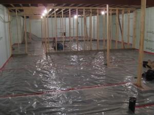 Poser un mat riau imperm able sur une dalle existante for Plancher salle de bain sous sol
