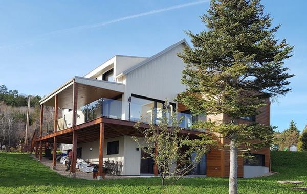 Lheure bleue deuxième maison certifiée leed v4 platine au canada