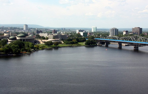 Gatineau vu d'Ottawa. Photo Mario Cabral de Moura, Creative Commons.