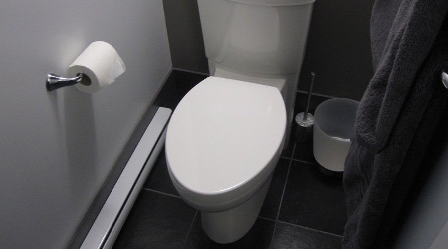 installer une toilette double chasse de 4 8 litres par chasse maximum cohabitation. Black Bedroom Furniture Sets. Home Design Ideas