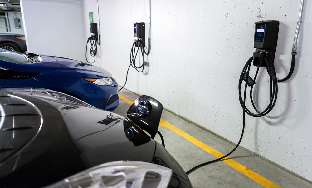 Borne De Recharge >> Une borne de recharge pour voiture électrique dans un ...